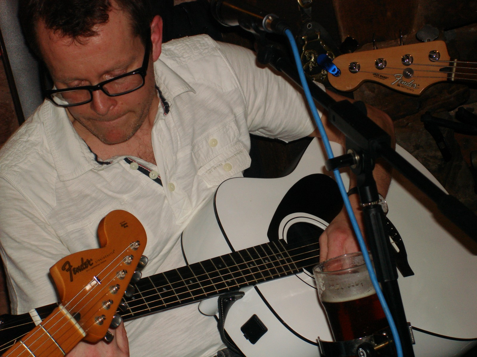 Gary Stewart Smith jams with Liquorice Allstars