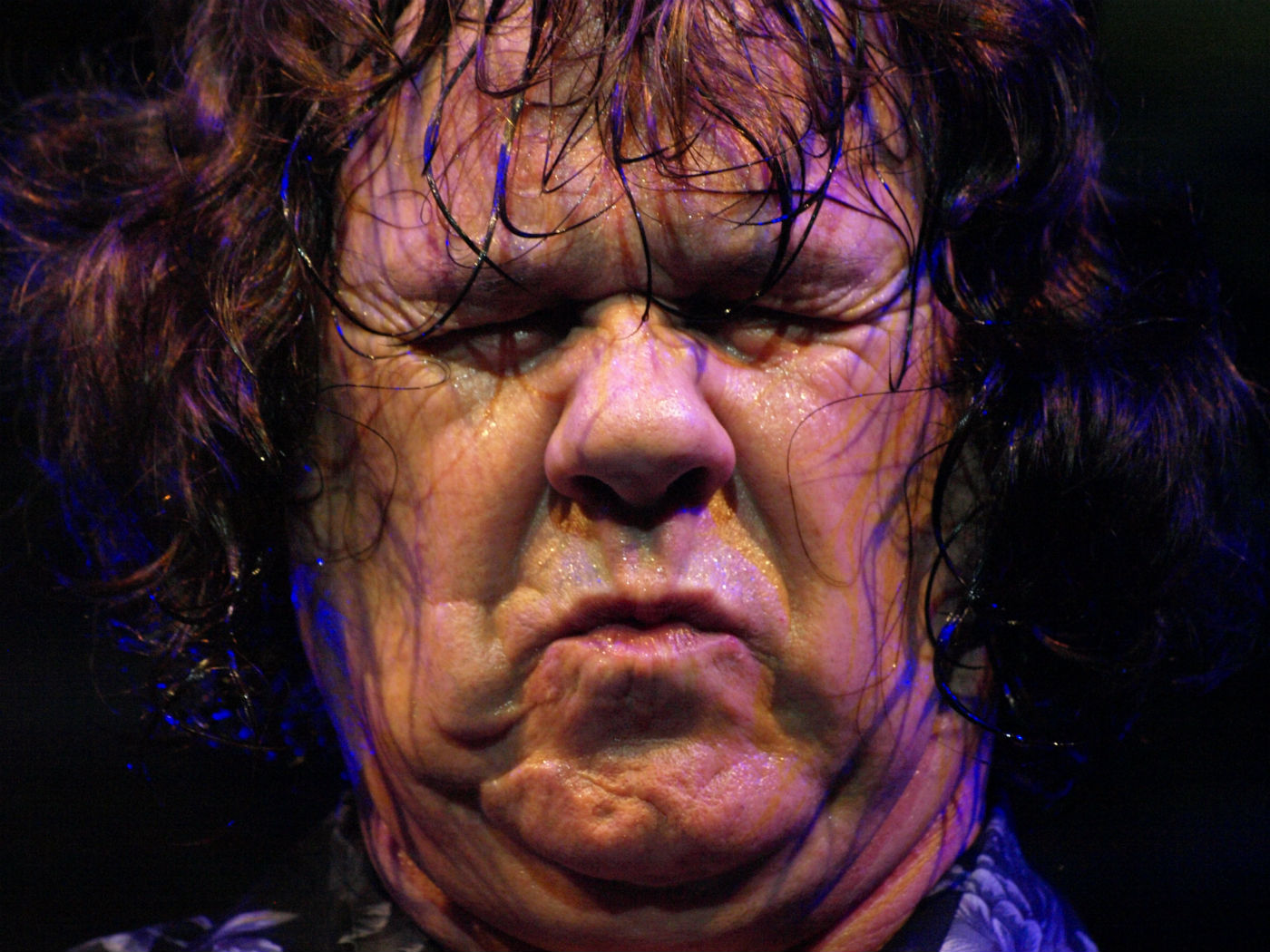 Gary Moore chewing a wasp
